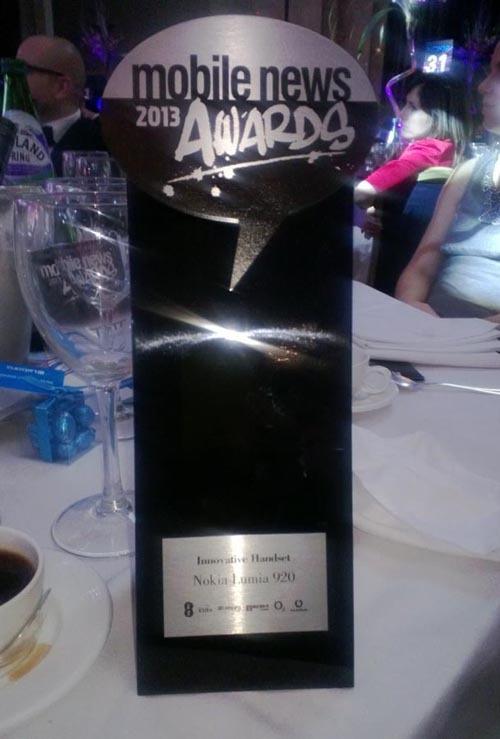 nokia-lumia-920-award-01